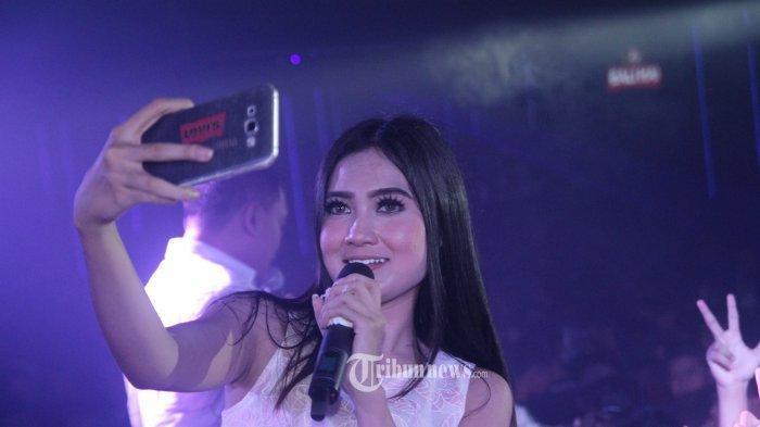 Download Lagu Nella Kharisma Full Album - Gudang Lagu Koplo Terlaris 2020