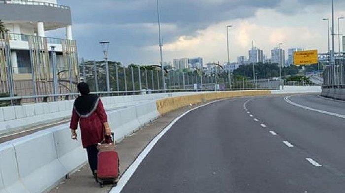 Lockdown Covid-19, Nenek 66 Tahun Ini Jalan Kaki dari Malaysia ke Singapura, Demi Jenguk Suami Sakit