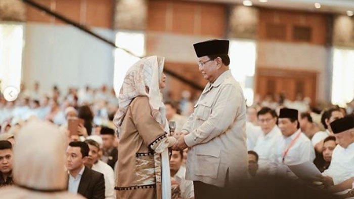 Ungkap Fakta Kecurangan Pilpres, Momen Prabowo dan Neno Warisman Berpegangan Tangan Jadi Sorotan
