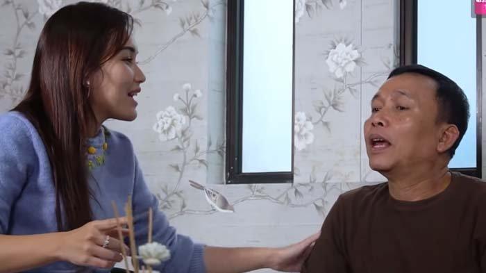 Ngebet putrinya jadi artis, Ayah Rozak ancam Ayu Ting Ting jika tolak menyanyi