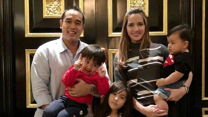 Ardi Bakrie Bawa 'Anak' Sebut Anggota Baru Keluarga, Nia Ramadhani Syok Lapor Mertua: Bakrie Ke-6?