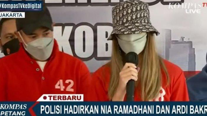 Artis Nia Ramadhani dan Ardi Bakrie.(Bidik layar KompasTV