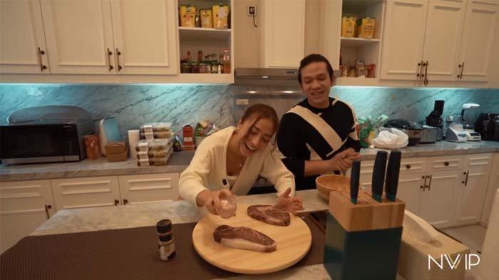 Lihat Kebiasaan Nikita Willy saat Masak, Jordi Onsu Kaget, Istri Indra Priawan : Gue Diajarin Begitu