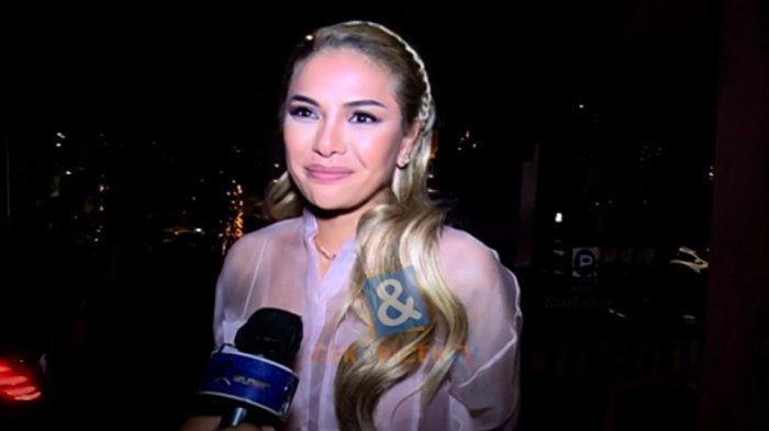 Nikita Mirzani isyaratkan akan menikah tahun depan dengan kekasih barunya