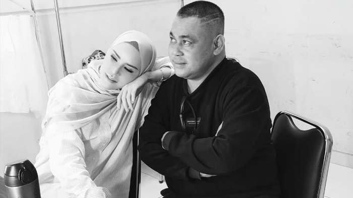 Kabar Duka Datang dari Rhoma Irama, Sang Manajer Meninggal Dunia, Angel Lelga Kenang Permintaan Oddi