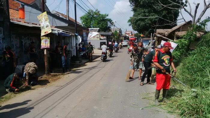 Jelang Hari Jadi Bogor, Ormas Perang Sampah di Kawasan Cilebut