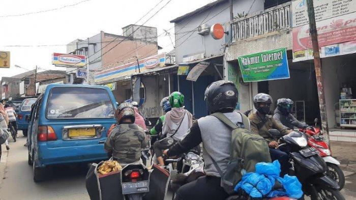 Kondisi Terkini Lalu Lintas Depan Stasiun Citayam, Hati-hati Banyak Angkot Ngetem