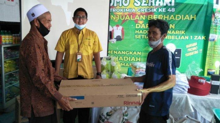One Day Promotion, Petani di Bogor Dapat Hadiah saat Beli Pupuk