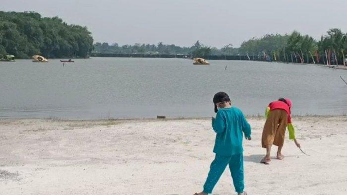 Libur Hari Raya Waisak 2565 BE, Wisatawan Serbu Pantai Buatan di Parung Bogor