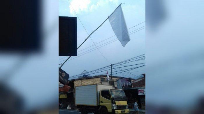 PPKM Diperpanjang, Pelaku Wisata Puncak Bogor Serentak Pasang Bendera Putih : Kami Menyerah