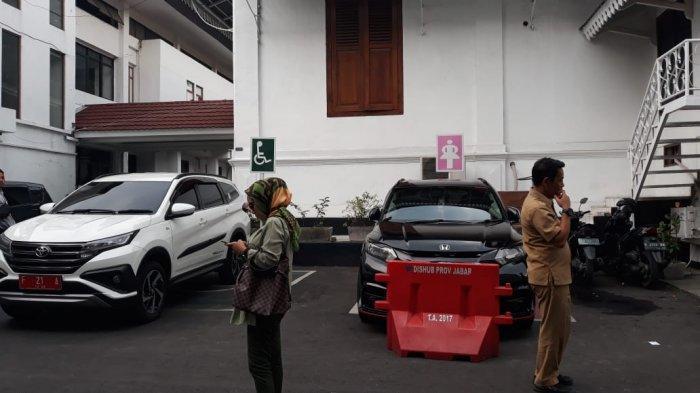 Parah ! Parkir Khusus Disabilitas di Balaikota Bogor Dipakai Oleh PNS Normal