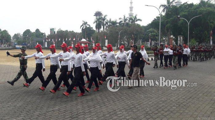 Jelang HUT RI ke-74, Paskibraka Kabupaten Bogor Lakukan Latihan Selama 3 Bulan di Cibinong