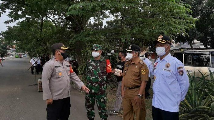 Muspika Bojonggede Lakukan Patroli Keliling untuk Cegah Kerumunan di Malam Tahun Baru 2021