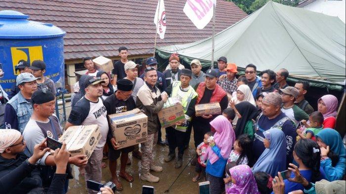 Sambangi Korban Bencana di Sukajaya, PDAM dan Wakil Ketua DPRD Kota Bogor Salurkan Bantuan