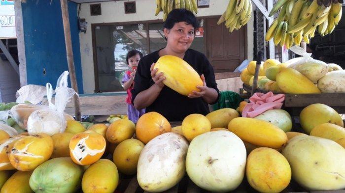 Jual Timun Suri, Pedagang di Bambu Kuning Bogor Kantongi Rp 1,8 juta/ Hari