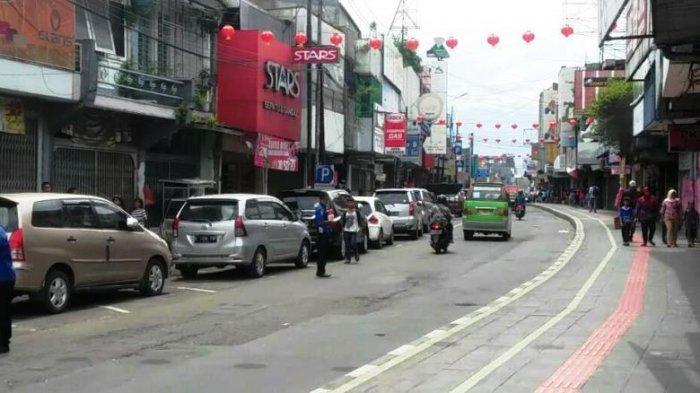 Baru Selesai Dibangun, Kondisi Lantai Pedestrian Jalan Suryakancana Kota Bogor Sudah Retak