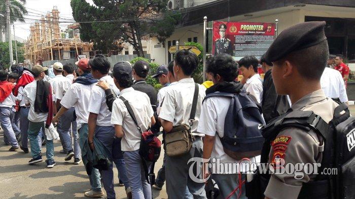Ditanya Soal RKUHP, Pelajar Bogor yang Hendak Demo di Jakarta Bingung: KUHP Kepanjangannya Apa?