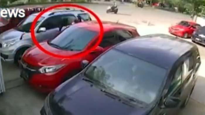 Heboh Rekaman CCTV Wanita Diduga Pelakor Dijambak dan Ditikam, Istri Sah Terancam Tidur di Penjara