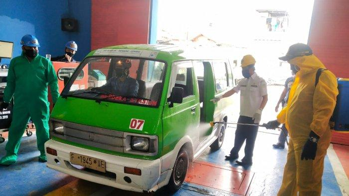 Uji KIR di Kembali Dibuka, Petugas Dishub Kota Bogor Gunakan Pakaian APD
