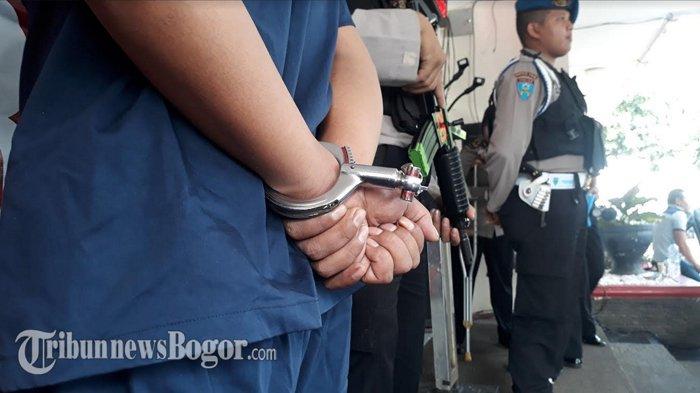 Kronologi Pembunuhan di Cileungsi, Pelaku Potong Alat Vital Korban Lalu Diikat dengan Sarung