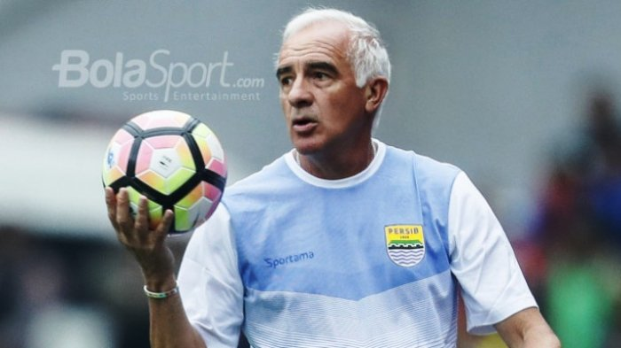 Manajemen Persib Bandung Masih Rahasiakan Pengganti Mario Gomez