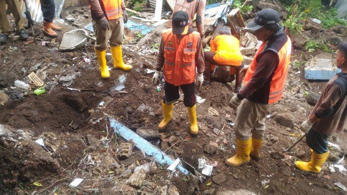 Korban Lion Air JT610 Arif Yustian Dimakamkan, Rekan Kerja-Teman Sekolah Tak Kuasa Bendung Air Mata