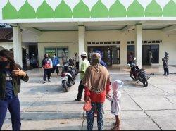 Masjid Jami Baiturrahman Bojonggede Salurkan Daging Kurban Dengan Prokes Ketat