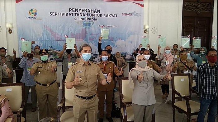 Jokowi Bagikan 630 Sertifikat Tanah ke Warga Kota Bogor