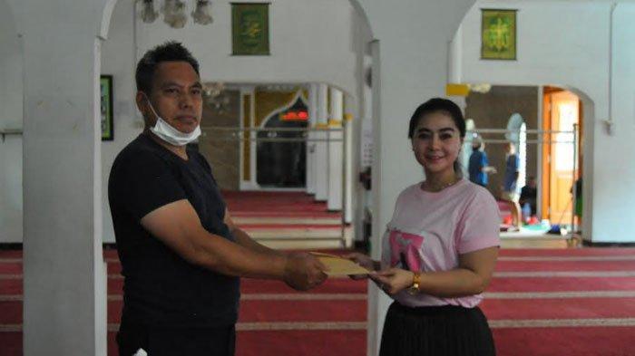 Sambut Ramadhan, Penyanyi Okha Duo Queen Kunjungi Masjid-masjid di Kota Bogor sambil Berikan Bantuan