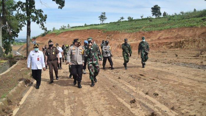 Kodim 0621 Kabupaten Bogor Rampungkan Pembukaan Jalan Poros Tengah Timur untuk Solusi Macet Puncak