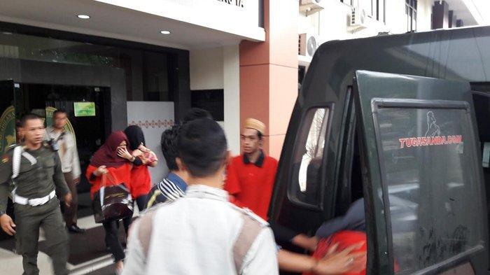 Sidang Tuntutan Kasus Pembunuhan Dufi Di PN Cibinong,  Suami Istri Dituntut Hukuman Mati