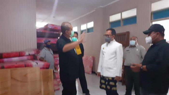 Pemerintah Kota Bogor (Pemkot) saat ini sedang menyiapkan rumah sakit darurat di Wisma Atlet Dispora Kota Bogor di Komplek Gor Pajajaran.