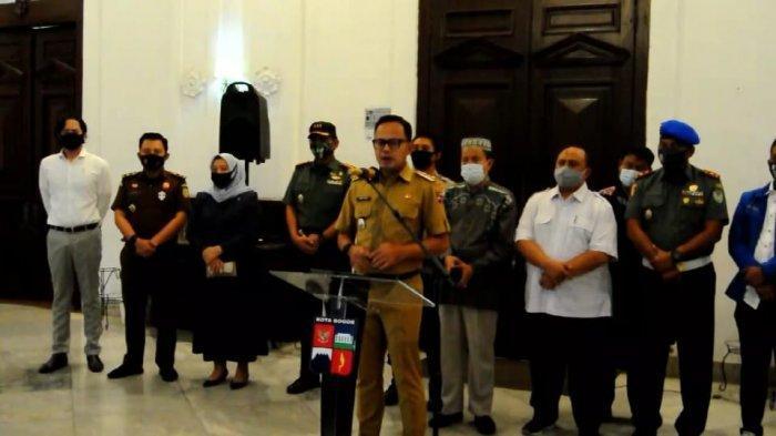 Pemerintah Kota Bogor resmi mengumumkan penerapan aturan Pembatasan Sosia Berskala Mikro (PSBM) untuk memutus mata rantai penyebaran Covid-19 di Kota Bogor.