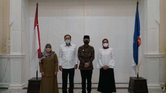Pemerintah Kota (Pemkot) Bogor menandatangani kesepakatan bersama dengan dua pihak sekaligus, yakni PT Istaka Karya dan PT Visionet Internasional di Paseban Suradipati, Balai Kota Bogor, Senin (10/5/2021).