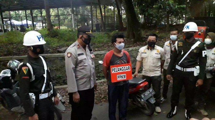 Ngabuburit Tak Pakai Masker, Belasan Pemuda di Jalan Ahmad Yani Kota Bogor Dihukum Aparat Gabungan