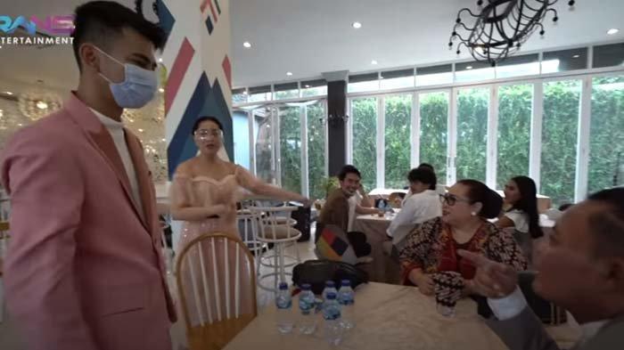 Pangling Lihat Penampilan Dimas di Nikahan Sule, Nagita Kagum : Dia Berondongnya Aku