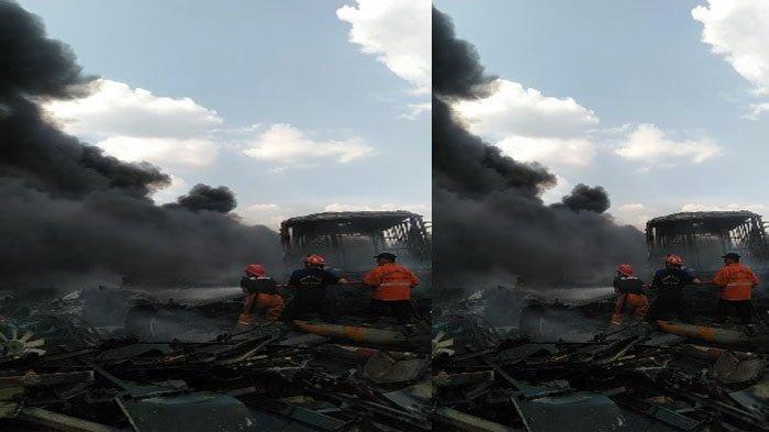 BREAKING NEWS - Gudang Bus TransJakarta di Dramaga Bogor Terbakar