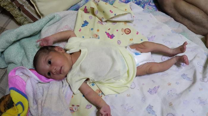 Proses Persalinan Bayi Mungil Yang Ditemukan Warga, Diduga Dibantu Oleh Tenaga Medis