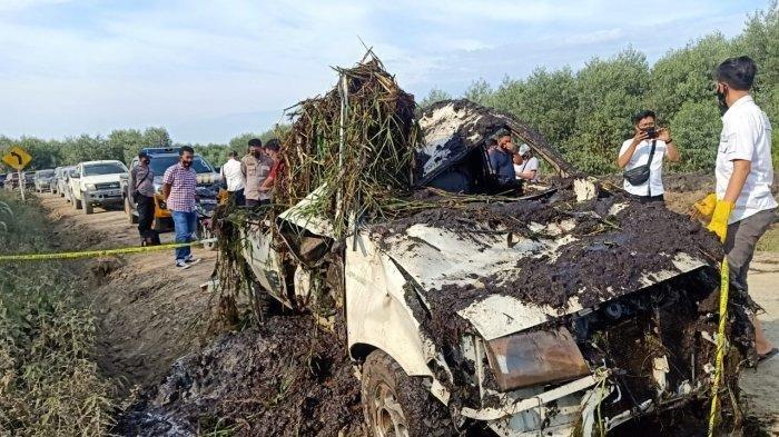 Penemuan tengkorak manusia di dalam mobil yang berada di sebuah kanal milik PT WKS di Kabupaten Tanjung Jabung Timur.