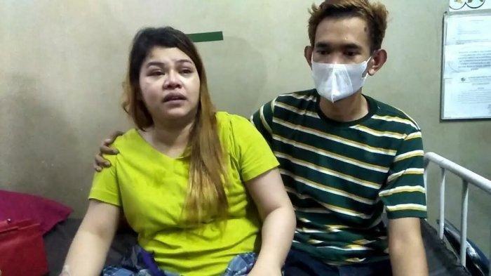 Riyana (baju kuning) korban diduga penganiayaan oleh oknum Satpol PP Gowa saat operasi PPKM mikro