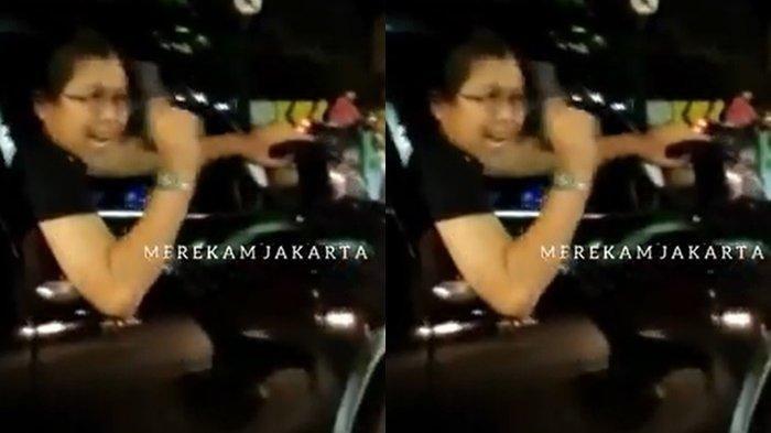 Pengemudi Fortuner acungkan pistol usai menabrak pengendara motor di Duren Sawit, Jakarta Timur, Jumat (2/4/2021) dini hari WIB. Saat beraksi pelaku berinisial MFA ini terlihat arogan, tapi tertangkap saat bersembunyi di parkiran mal di Jakarta Selatan.