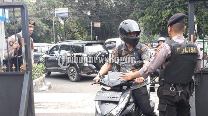 Pengamanan Polresta Bogor Kota Diperketat Pasca Bom Bunuh Diri di Medan