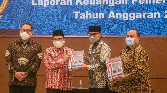 Pemerintah Kota Bogor kembali meraih predikat opini Wajar Tanpa Pengecualian (WTP) dari Badan Pemeriksa Keuangan (BPK) Perwakilan Jawa Barat.