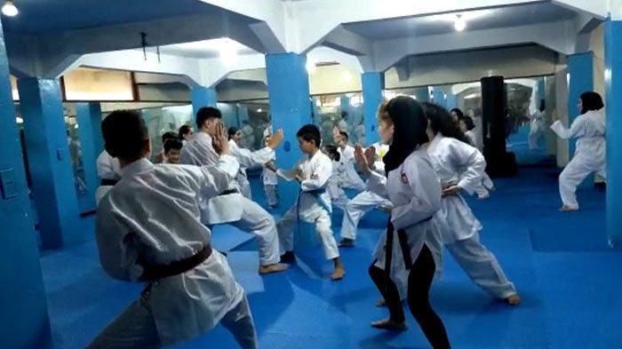 Melihat Aktifitas Imigran Afghanistan di Puncak Bogor, Ternyata Rutin Berlatih Karate