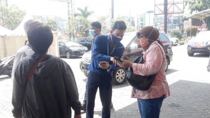Minggu Pertama Mal di Kota Bogor Buka, Pengunjung Masih Kesulitan Gunakan Aplikasi PeduliLindungi