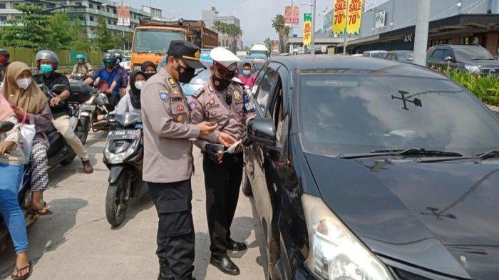 Pengendara dari Luar Kabupaten Bogor di Pospam Cileungsi Dirapid Antigen, 7 Kendaraan Diputar Balik