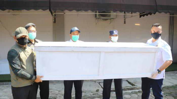 Kadin Kota Bogor Sumbang Puluhan Peti Mati ke RSUD