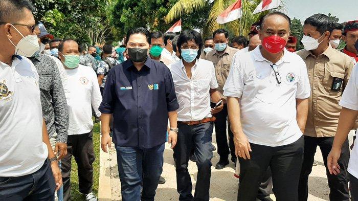 Resmikan Desa Wisata Situ Lebak Wangi Bogor, Menteri BUMN Erick Thohir Naik Perahu