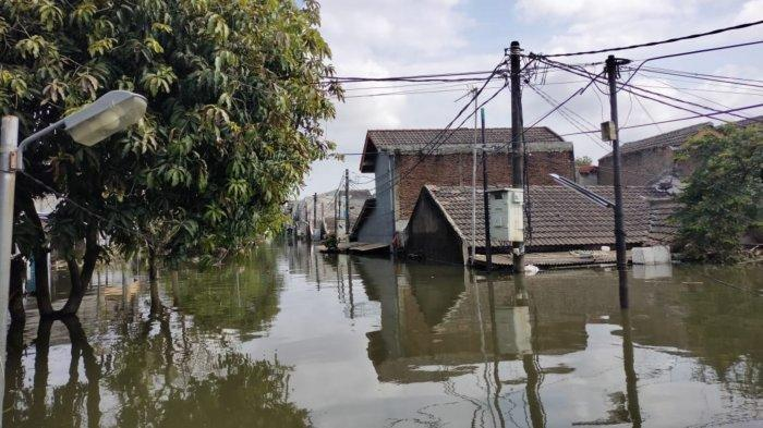 8.500 Ribu Rumah Warga Periuk Tangerang Terendam Banjir Hingga 3,5 Meter