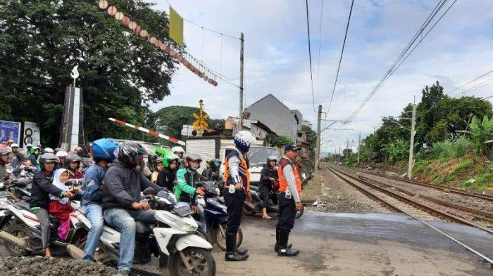 Sempat Ditutup karena Kereta Anjlok, Jalan Kebon Pedes Bogor Sudah Dibuka Kembali